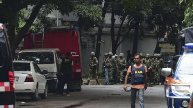 Bangladesh: 20 morti in ristorante a Dacca, Isis rivendica