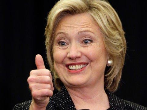 Hillary Clinton, nuova bufera mail. Trump: Usa via dal Wto