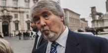 22/02/2014 Roma, Arrivi dei ministri per il giuramento al Quirinale. Nella foto l'arrivo del ministro del Lavoro Giuliano Poletti
