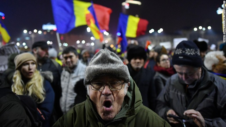 170203121329-02-romania-corruption-protest-0202-exlarge-169