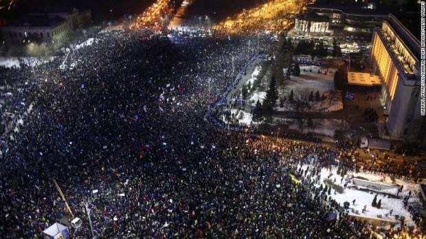 170203121443-03-romania-corruption-protest-0202-restricted-exlarge-169