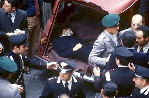 Aldo Moro, 39 anni fa il rapimento. Minniti in via Fani